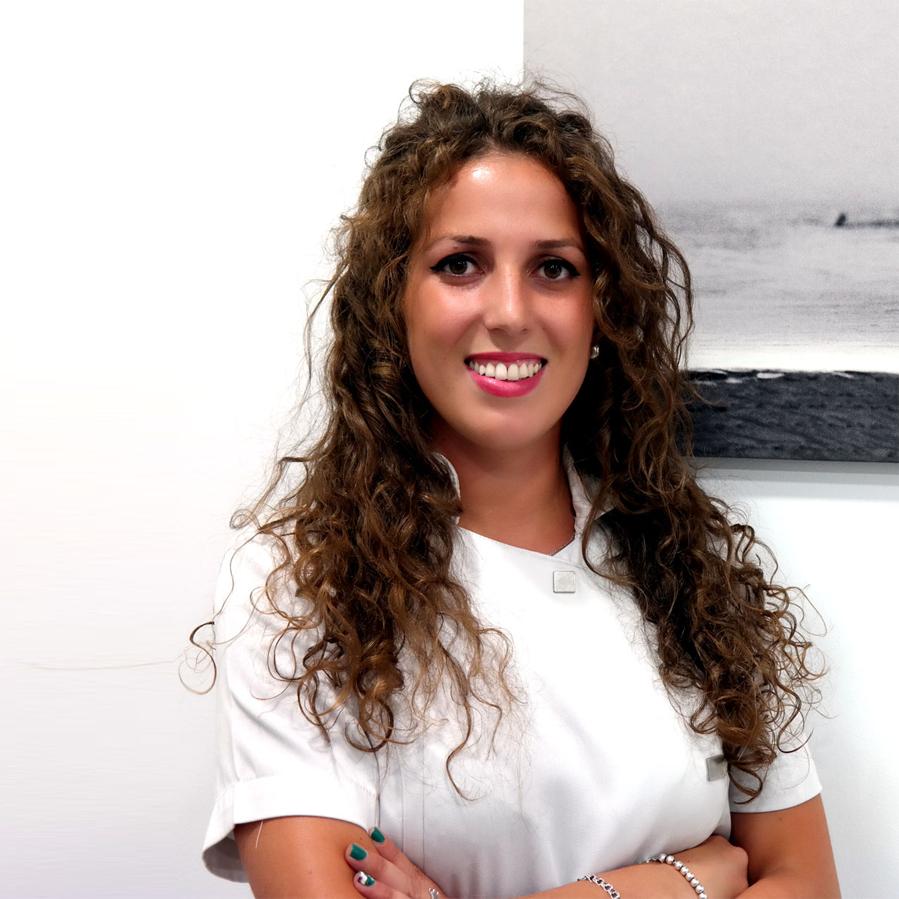 https://www.dentistasecija.es/wp-content/uploads/2015/11/equipo-dentistas-ecija-3.png