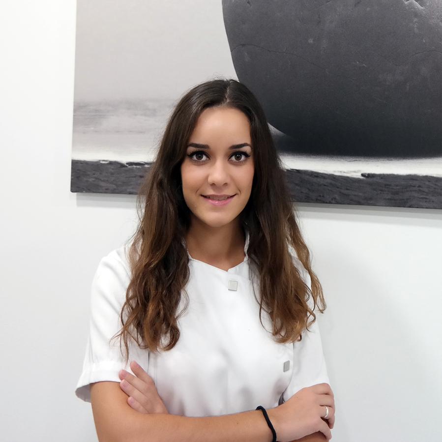 https://www.dentistasecija.es/wp-content/uploads/2015/11/equipo-dentistas-ecija-8.png